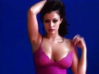 Aria Giovanni Shows Off Her Amazing Body