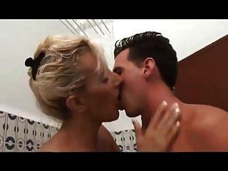 Sexy Busty Milf Depp Ass Fuck & Cumshot