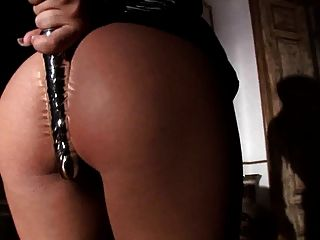 Amabella Masturbation In Boots
