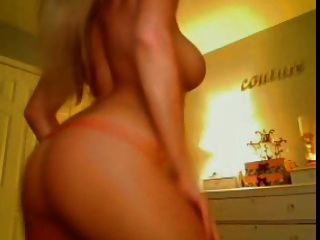 Blonde Shows Her Shinny Tits