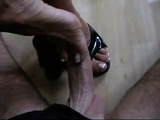 German Milf Macht Den Perfekten Shoejob Footjob