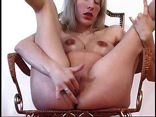 Beautiful Pregnant Mom 26