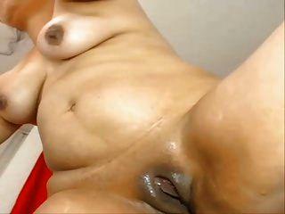 Esta Colombiana Es Puro Fuego Masturbandose Y Chorreandose