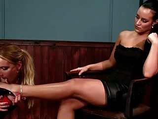 Beauty Mistress Use Lesbian Foot Slave