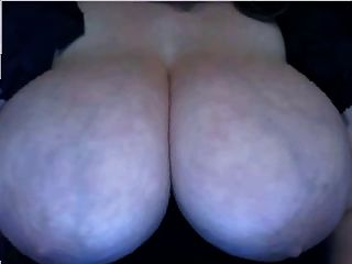 Webcam Very Nice Boobs - Bigger