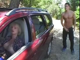 Tranny Fun In The Car