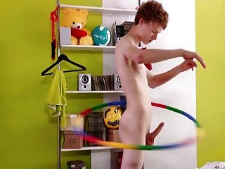 Kevin And The Hula Hoop