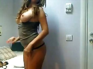Hot Girl Play Hard With Dildo On Cam