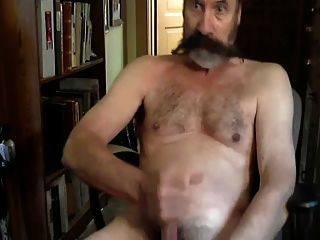 Sexy Daddy Bear Jacking It For You