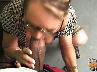 Damn Hot White Mature Mommie Used By Bbc