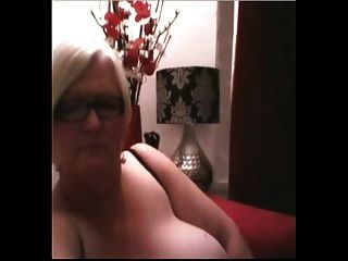 Mature Bbw Dildoes On Camera