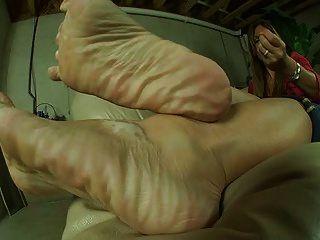 Mature Thick Feet Tease