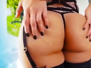 Shemale Sofia Vs Sexy Girls