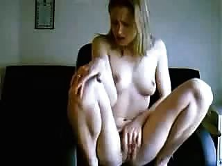 Nice Blond Records Video Of Herself Getting Off