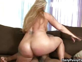 Hairy Pussy Tattooed Babe Gets Jizzed