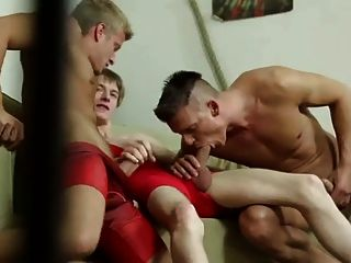 Blond Boy Loves To Serve All Bare And Double Fuck !!