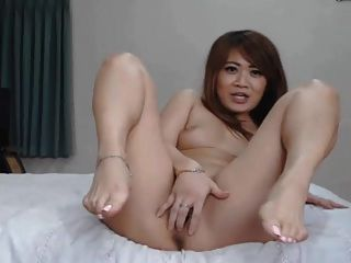 Hot Asian Chick Masturbate With Her Toy And Gets Huge Orgasm