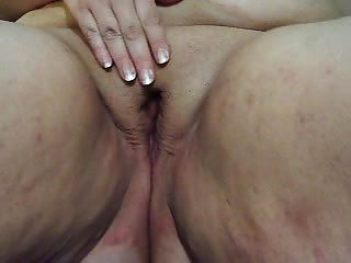 Rubbing Her Clit