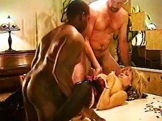 Marilyn & Denni Play Studs Poke-her