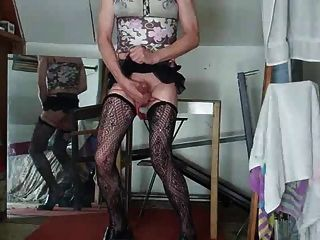 image Realmomexposed horny milf could not wait for the cameras