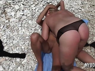 Busty Teen Malina May Fucken Extasi On The Beach