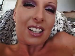 This Hottie Loves Anal