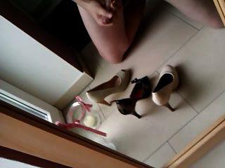 Cumshot In High Heels, Wanking Hot Wifes Heels