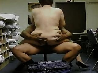 Mature Wives Know To Get Fucked
