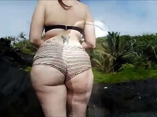 Amateur Chubby Girl In The Lake (big Sweet Ass)