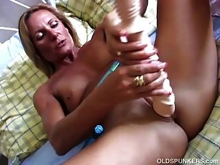 Super Sexy Old Spunker In Stockings Fucks Her Wet Pussy