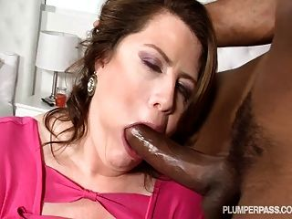 Milf Bbw Lisa Sparxxx Is Pounded By Big Black Cock