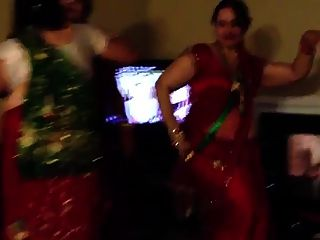 Sexy Nepali Aunty Dancing