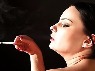 Hottie Pov Smoking Doggy