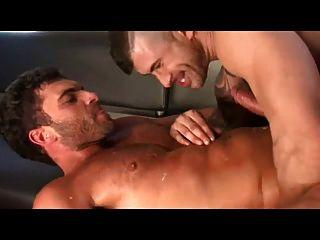 Big Cock Dude Cums Getting Fucked By Big Cock