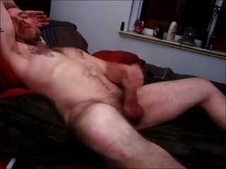 Str8 Horny Daddy On Bed
