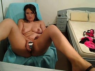 Cam Whore Fucks Herself Until She Squirts