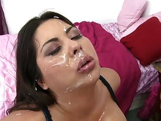 Booty Latin Milf Candi Cox Gets Huge Facial Cum Shower