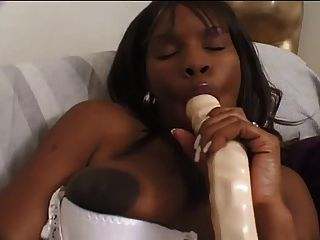 Interracial Sex With A Cute Pregnant Ebony