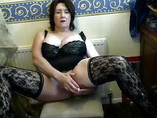 Nice Granny In A Cam R20