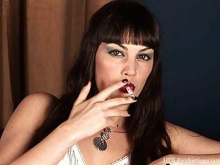 Angelina Dee - Smoking Fetish At Dragginladies