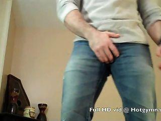 Heavy Cumshot On Hairy Muscle Stud!