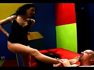 Brunette Gets On Her Knees And Stuffs Big White Cock In Her Mouth To Suck