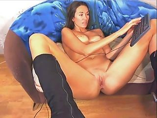 Sexy Milf On Webcam