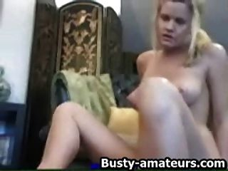 Hot Babe Lisa Toying Her Pussy