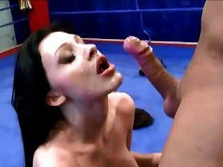 Beautiful Lady Makes Him Cum Over Her Face