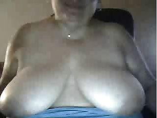 Bbw Milf Shows Tits On Cam