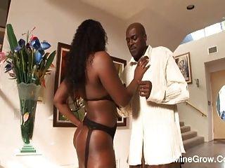 Facial Cum To Hot Ebony Aryana
