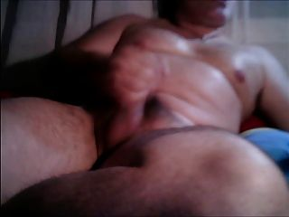 Jerking Off And Cumming 4 U!