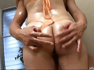Horny Guy Oils Down Rui Yazawa And Fingers Her Wet Cunt