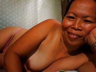 Filipina Grandma Showing Her Nice Boobs On Cam